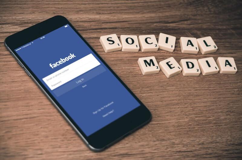 Facebook-App auf Smartphone